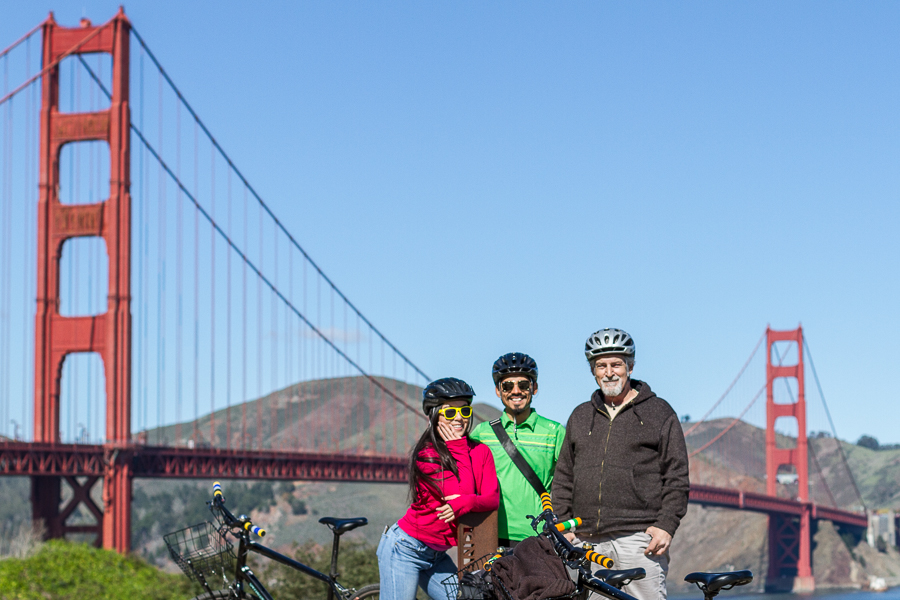 Cyclists with Golden Gate Bridge in background